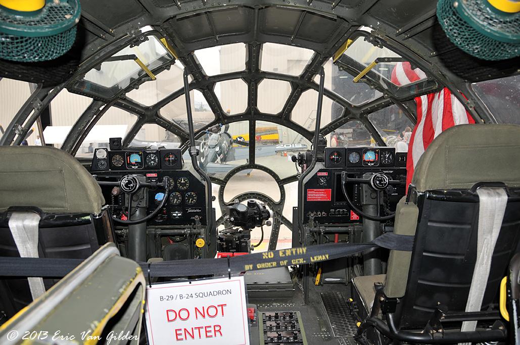 Motivationsschreiben schreiben b29 cockpit at night  DDFW